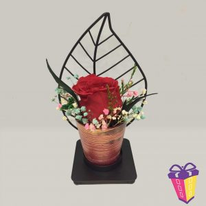 Rosa eterna con pedestal metálico